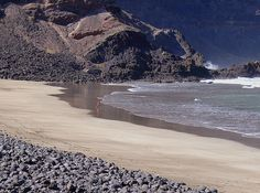 Imagen de Clara Bon en la playa de La Cantería, Órzola, Haría, Lanzarote. Puedes ver muchas más imágenes así en http://www.flickr.com/photos/clara_bon/sets/72157603056837967/with/3045886122/