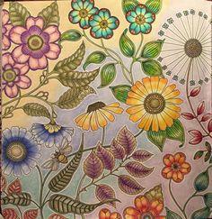 Big flowers double page Secret Garden. Flores grandes página dupla Jardim Secreto. Johanna Basford
