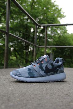 103bcb051ec2 roshecamo 4 Nike WMNS Roshe Run Armory Adidas Shoes Outlet