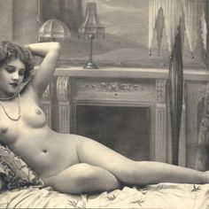 Naked pic girlr kasmiri