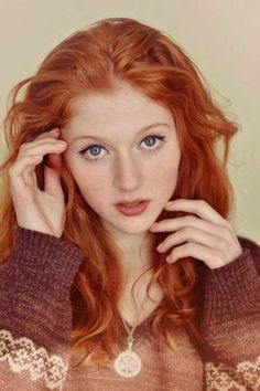 Beautiful redhead women, cute ginger girls and everything else fans of redheads love. A place where you can find pictures of red hair, freckles and more. I Love Redheads, Redheads Freckles, Hottest Redheads, Beautiful Red Hair, Gorgeous Redhead, Pretty Hair, Beautiful Eyes, Cheveux Oranges, Red Hair Woman