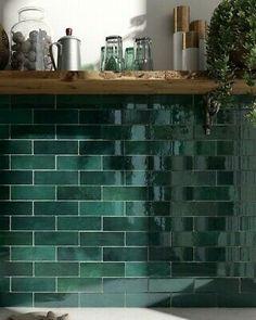Green Tile Backsplash, Kitchen Splashback Tiles, Green Bathroom Tiles, Green Tiles, Moroccan Wall Tiles, Moroccan Bedroom, Moroccan Interiors, Moroccan Decor, Dark Green Kitchen