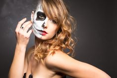 Duality - Dual   Model: Lyvia https://www.facebook.com/lyvia.aivyl  MUA: Jessica https://www.facebook.com/pinkbeautymakeup