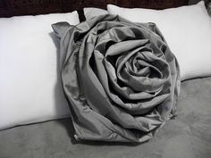 This is in incredible tutorial on how to make a ruffle pillow out of an old skirt or dress(buy at a second hand store if don't have)! I. Will. Make.