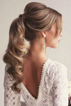 7 peinados elegantes para Novias - Lirish Salon Cute Ponytail Hairstyles, Wavy Ponytail, Cute Ponytails, Prom Hairstyles For Long Hair, Up Hairstyles, Hair Updo, Hairstyle Photos, Bridesmaid Hairstyles, Bridal Hairstyles