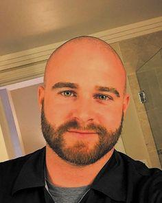Shaved Head With Beard, Bald With Beard, Bald Man, Beard Styles For Men, Hair And Beard Styles, Moustache, Hot Men, Hot Guys, Bald Men Style