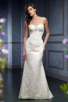 Best wedding dresses are custom-made for you online. Chapel Wedding Dresses, Wedding Dress 2013, Wedding Dress Gallery, Sweetheart Wedding Dress, Wedding Dresses Photos, Wedding Bridesmaid Dresses, Wedding Dress Styles, Designer Wedding Dresses, Bridal Dresses