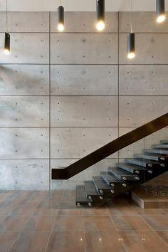 concrete walls in interior design modern staircase design ideas railing ideas Interior Stairs, Interior Architecture, Interior And Exterior, Interior Paint, Beton Design, Concrete Design, Wall Design, Diy Design, House Design