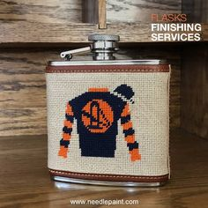 We can help! We offer a 5 oz stainless steel flask, with leather wrap on top and bottom, and 1 side (outside edges of needlepoint) ↔️ FLASK SIZE: Long, Heigh, Width ⏱️ TIMING: It takes 6 - 10 weeks for us to assemble a custom needlepoint flask Designer Backpacks, Green Suede, Knitted Bags, Diy Crochet, You Look, Suede Leather, Needlepoint, Stainless Steel, Canning