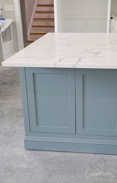 How to Create a Custom Paint Color Mix Blue gray kitchen island paint color Kitchen Wall Colors, Kitchen Paint, Kitchen Cupboards, Cabinets, Blue Kitchen Island, Painted Kitchen Island, Painted Island, Rustic Country Kitchens, Cottage Kitchens
