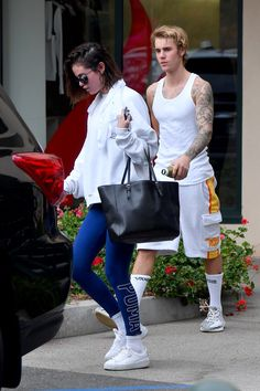 January 3: Selena and Justin Bieber leaving hot pilates in Los Angeles, CA