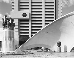 David Goldblatt — Structures of Dominion and Democracy — Galerie Marian Goodman — Exposition Dramatic Photography, Hobby Photography, Pretoria, Monuments, David Goldblatt, Marian Goodman, Exposition Photo, Expositions, Beautiful Lines