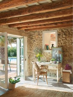 Old Barn Turned Into a Cozy Home, France DesignRulz.com