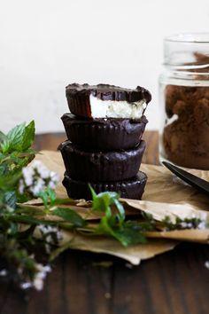 This Rawsome Vegan Life: CHOCOLATE COCONUT PEPPERMINT BITES (LOW-FAT OPTION) (Vegan Chocolate Coconut)
