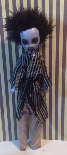 GOMEZJUICE Monster High Custom Altered Art Doll by Refabrications Monster High Boys, Monster Boy, Monster High Custom, Boy Doll, Collector Dolls, Doll Stuff, Custom Dolls, Altered Art, Art Dolls