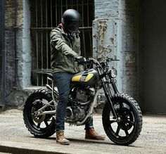 「The 'Sunshine State of Mind' Yamaha built by x Great collab gents! See more on Tracker Motorcycle, Scrambler Motorcycle, Moto Bike, Motorcycle Style, Cafe Racer Helmet, Welcome To The Team, Cafe Bike, Cool Jeeps, Bike Style