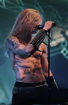 Dolk from Kampfar. I saw them live at Underworld in Camden (London) recently. Boys Long Hairstyles, Attractive People, Grunge Hair, Looks Cool, Metal Bands, Music Bands, Black Metal, Pretty Boys, Hot Guys