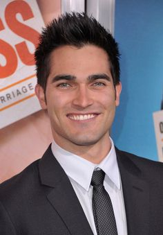 Tyler Hoechlin. Good to know he looks just as good when he smiles as he does when he's all broody. Gah, I can't.