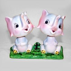 Elephant head spinners salt and pepper shaker set