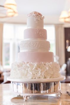 Featured Photographer: Craig and Eva Sanders Photography; wedding cake idea