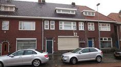 Tongelresestraat  Gemeubileerde kamer in een huis in Eindhoven met gedeelde faciliteiten. De kamer is gelegen op de 1ste etage aan de voorzijde. Verder is er een tuin waar fietsen geplaatst kunnen worden. Dit huis heeft 1 badkamer 2 toiletten en 1 keukenen deze worden gedeeld met 6 huisgenoten.  EUR 366.00  Meer informatie