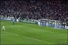 Le penalty de sergio ramos et Baumgartner [video] - http://www.2tout2rien.fr/le-penalty-de-sergio-ramos-et-baumgartner-video/