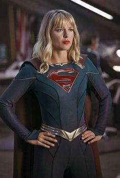 Kara Zor-El (Kara Danvers) - Supergirl Supergirl Season, Supergirl Tv, Supergirl And Flash, Movies And Series, Cw Series, Dc Movies, Melisa Benoist, Melissa Marie Benoist, Lois Lane