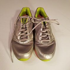 7c24ca0ece2 Women s Reebok Simply Tone 2.0 Athletic Shoes Sneakers Silver Pink Green 9M
