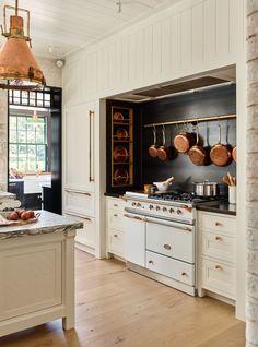 Big Kitchen, Kitchen Dining, Kitchen Decor, Kitchen Trends, Kitchen Ideas, Interior Design Kitchen, Room Interior, Inspired Homes, Beautiful Kitchens