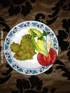 Pate de avocado cu gălbenuș (de la 10 luni)
