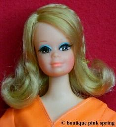 Live Action doll wearing her cool Tangerine Scene outfit. ~ ' ~ Tangerine Scene O utfit ~ ' ~. It includes: orange bodysuit (repaired at the shoulder), orange and white wrap skirt and a pair of orange flats. Vintage Barbie Dolls, Mattel Barbie, Barbie And Ken, Vintage Ponytail, Scene Outfits, Barbie Movies, Mermaid Dolls, Gorgeous Blonde