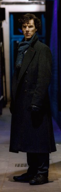 Sherlock Holmes Benedict Cumberbatch, Benedict Cumberbatch Sherlock, Sherlock Cast, Sherlock John, Elementary My Dear Watson, Tv Shows Funny, Bbc Tv Series, Skinny Guys, 221b Baker Street