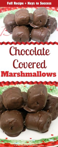 Chocolate Covered Marshmallows are a super easy holiday treat that takes only a few minutes to put together. You can dress them up with holiday-colored sprinkles or leave them plain. These are a kid-favorite! Chocolate Meringue Pie, Chocolate Caramel Slice, Chocolate Candy Recipes, Chocolate Covered Marshmallows, Recipes With Marshmallows, Melting Chocolate Chips, Homemade Chocolate, Easy Christmas Candy Recipes, Easy Christmas Treats