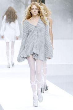 Nina Ricci at Paris Fashion Week Fall 2007 - Runway Photos Love Fashion, Runway Fashion, High Fashion, Fashion Show, Fashion Outfits, Fashion Design, Fashion Trends, Fashion Styles, Pretty Outfits