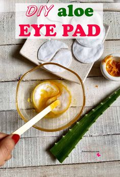 DIY aloe eye pad for tired eyes. If you are one who believes in turning to natural products, then we have just the remedies for you, and use natural under-eye pad to keep them fresh. #eyepad #diy #tiredeyes Diy Beauty Projects, Potato Juice, Soap Making Recipes, Diy Lotion, Acne Cream, Tired Eyes, Natural Health Tips, Homemade Facials, Alternative Treatments