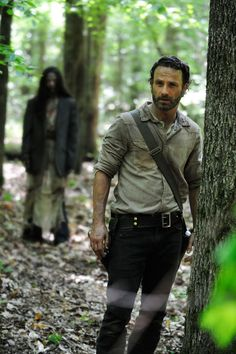 The Walking Dead star Andrew Lincoln is turning 41 on Sunday, September 14, and to celebrate his birthday, we're counting down all the times he transcended the blood, zombie-guts, lack of hot showers and general filth, to look hot on The Walking Dead (which comes back to AMC on October 12!!! Can you tell we're excited!?!) Until then, this is our gift to you. Enjoy!