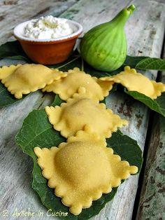 Pasta Recipes, Snack Recipes, Cooking Recipes, Ravioli, Seafood Pasta, Pasta Maker, Fresh Pasta, Homemade Pasta, Tortellini