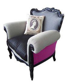 her majesty arm chair