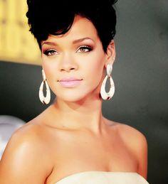 Rihanna Gorgeous Rihanna. RiRi #Rihanna, #Riri, #pinsland, https://apps.facebook.com/yangutu