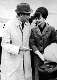 Mel Ferrer and Audrey Hepburn with her Kelly Bag of Hermes2 The Hermes Birkin bag vs Hermes Kelly bag