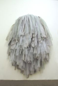 Tulle on the wall. tulle shed Textiles, Deco Nature, Street Art, Fabric Manipulation, Soft Sculpture, Installation Art, Textile Art, Fiber Art, Amazing Art