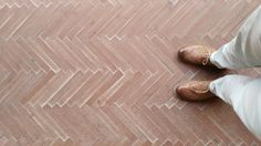 Discovered by chance these wonderfully slender terracotta tiles. Handmade near Amalfi, these are a reproduction of the original flooring. Kitchen Tiles, Kitchen Flooring, Herringbone Tile Pattern, Moroccan Garden, Terracotta Floor, Brick Texture, Victorian Kitchen, Reno, Floor Design