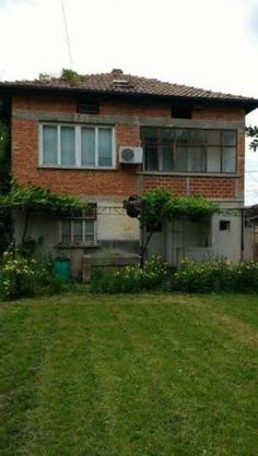 For sale a solid two-storey house in the town of Sredets, Burgas Region