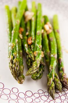 This Healthy Asparagus Garlic Appetizer Recipe is just what your next dish needed to take garlic and asparagus to the next level.