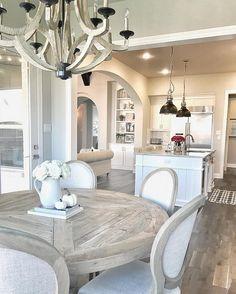 famrhouse-breakfast-room-decorated-for-fall-mytexashouse-via-instagram