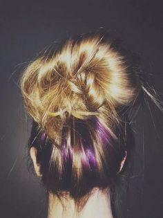 39 Dorable Lilac Hair Highlights Peekaboo Hair Color Ideas Luxury Blonde W Purp Purple Peekaboo Hair, Purple Hair Streaks, Lilac Hair, Hair Color Purple, Hair Color And Cut, Hair Color Highlights, Purple Peekaboo Highlights, Blonde Color, Pink Purple
