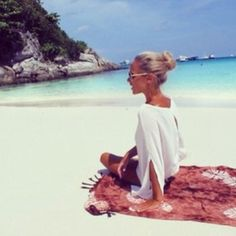 Shared by Style by Manda. Find images and videos about girl, summer and beach on We Heart It - the app to get lost in what you love. Summer Of Love, Summer Beach, Act Like A Lady, Australia Day, Paradise Island, Beach Babe, The Help, Summertime, Places To Go