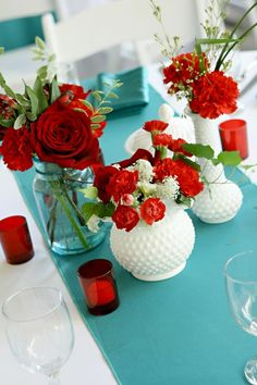 Red and teal wedding decor - red roses wedding centerpieces - red and teal color palette inspiration Christmas Table Centerpieces, Wedding Centerpieces, Wedding Decorations, Centerpiece Ideas, Table Decorations, Turquoise Table, Red Turquoise, Wedding Color Schemes, Wedding Colors