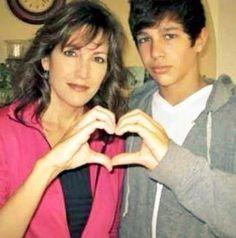 Austin Mahone and Mama Mahone <3