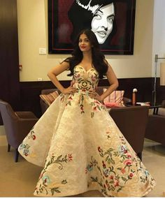 Cannes2017: There she is - Abhishek Bachchan shares wife Aishwarya's Cannes look on Instagram! @pinkvilla �� . . #pinkvilla #aishwaryaraibachchan #slay #aishwaryaatcannes #cannes #cannes2017 #look2 #day1 #cannesfilmfestival #mesmerising #internationalfilmfestival #queenofhearts #bollywood #actress #celebrity #adorable #star #bollywood #beautiful #gorgeous #fashion #style #fashionista #beauty #glam http://tipsrazzi.com/ipost/1518220564271254125/?code=BURzY8wFMpt